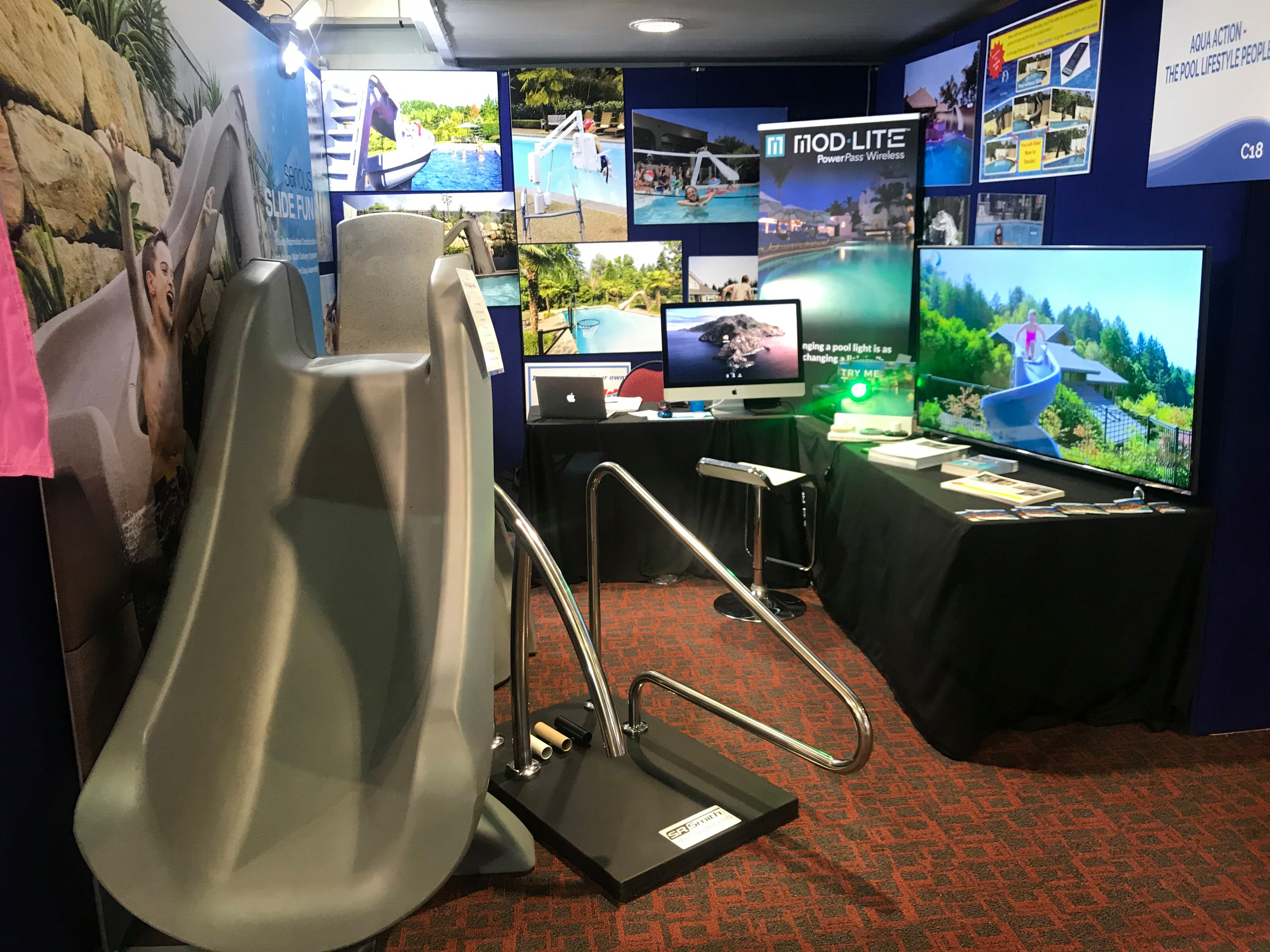 aqua-action-slides-setup-pool-expo
